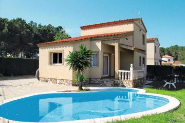 AME343 Villa with private...